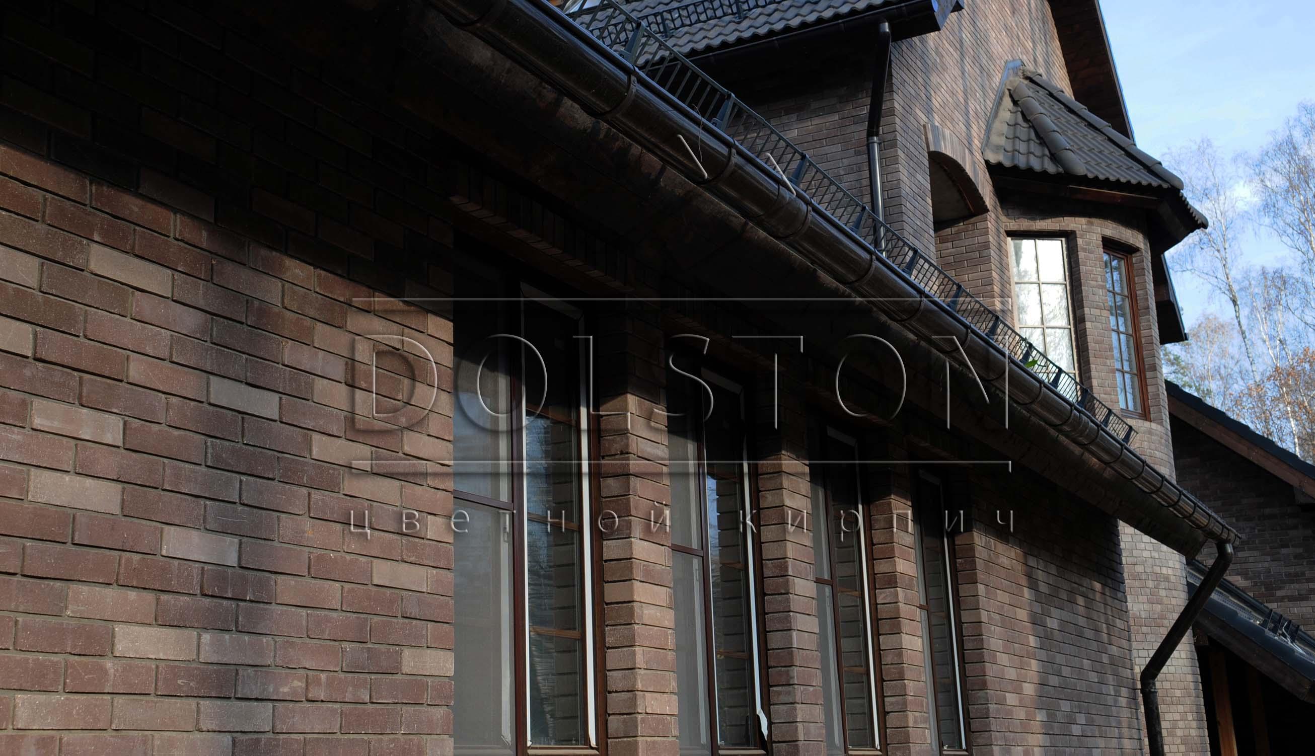 Дом из коричневого кирпича - фото № 6457