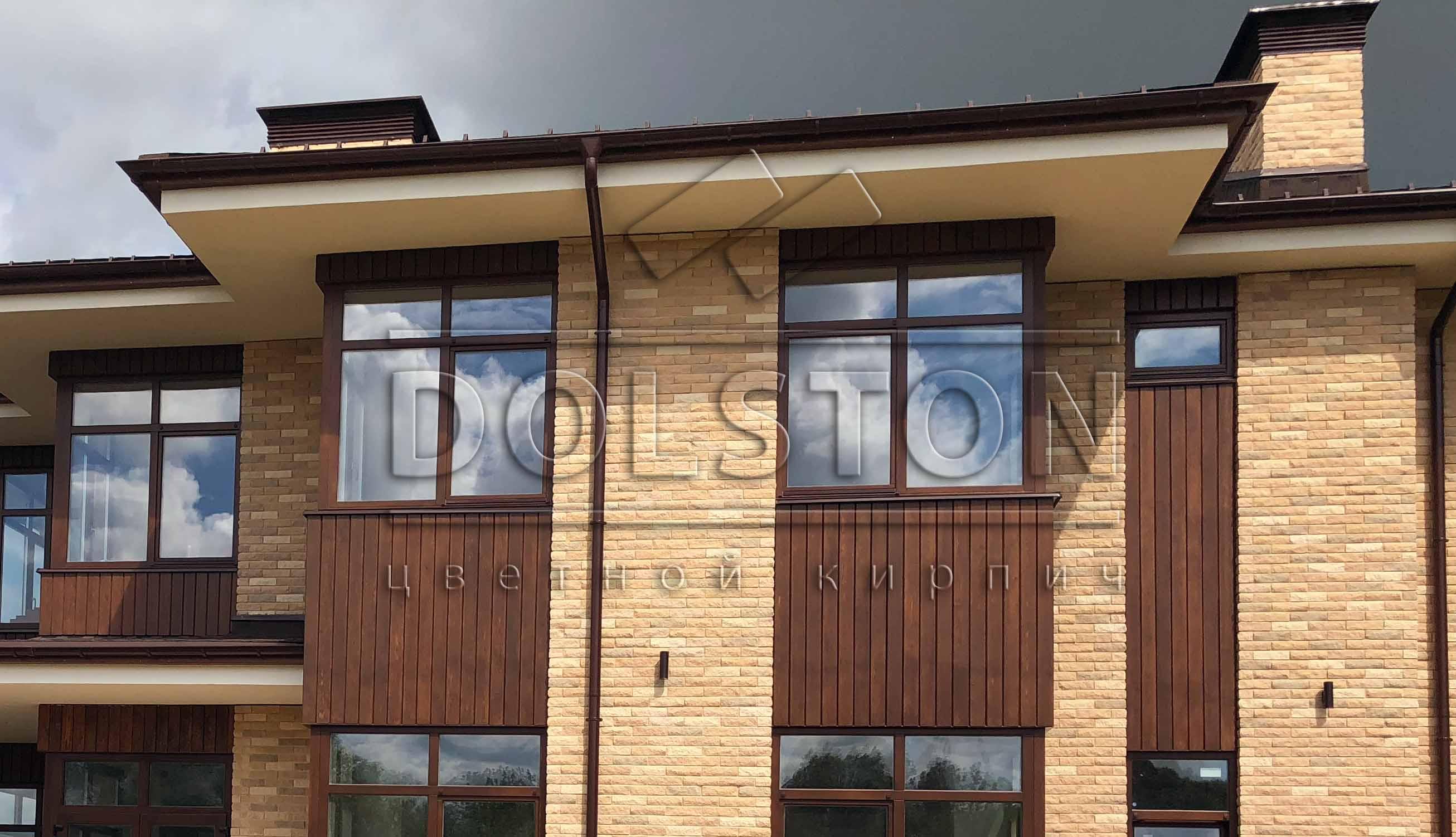 Кирпичный фасад из облицовочного кирпича Долстон